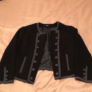 H&M cropped blazer 3/4 sleeve button detailing